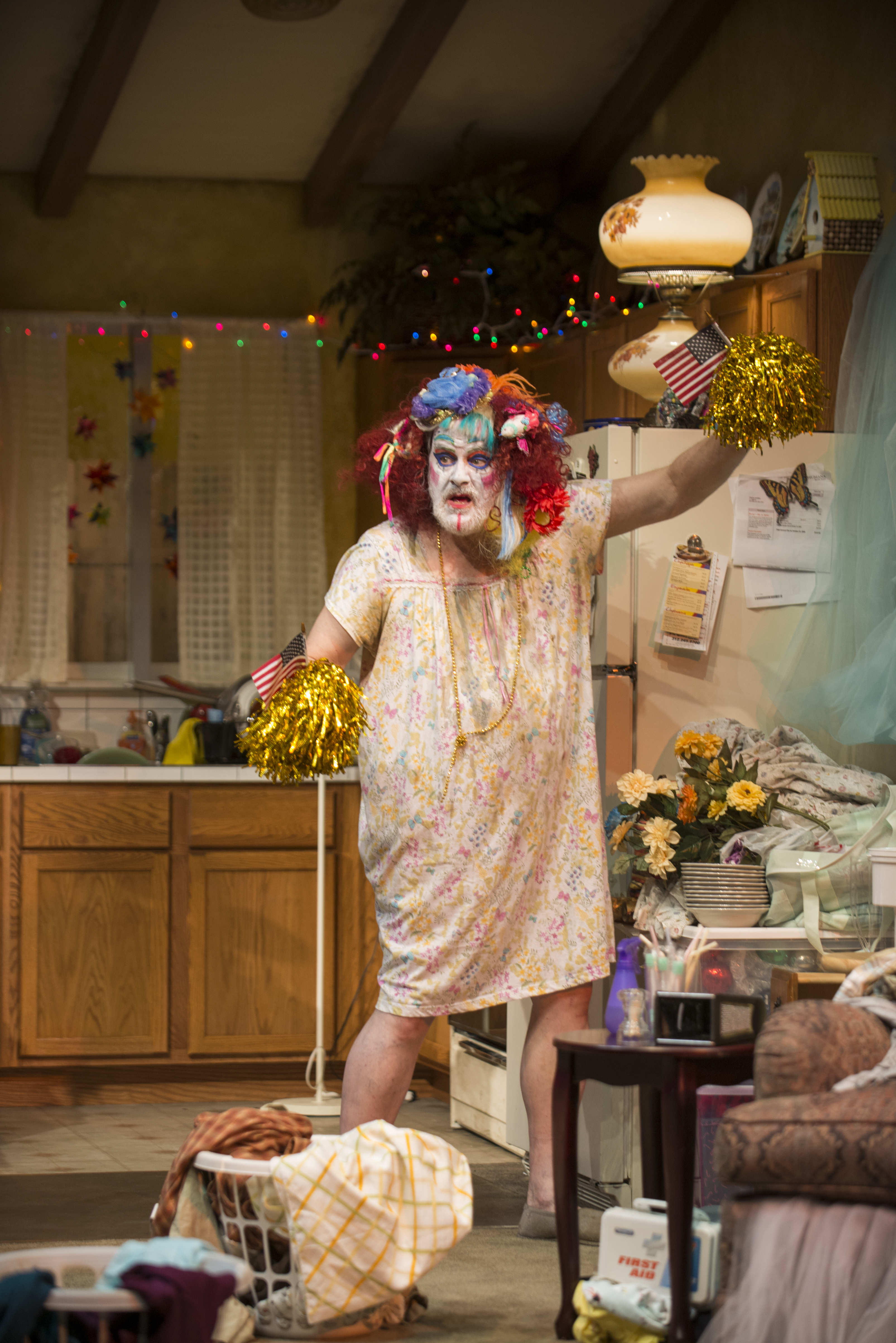"""Review: """"Hir"""" (Steppenwolf Theatre Company)"""