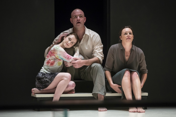 """Review: """"A View From the Bridge"""" (Goodman Theatre)"""