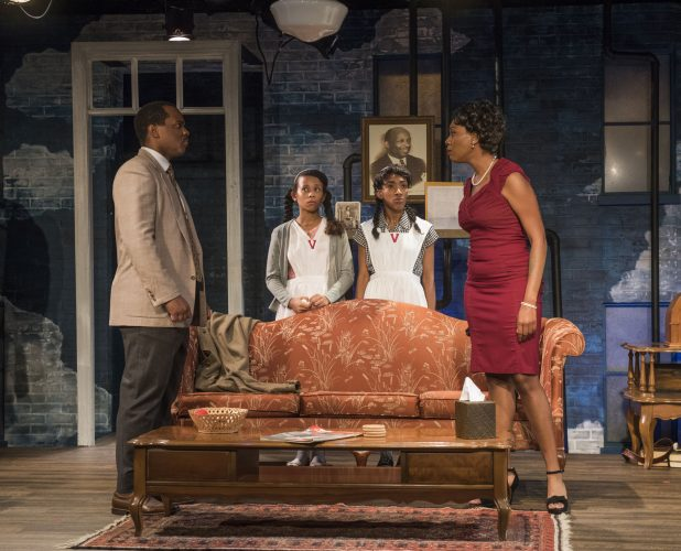 "Review: ""Crumbs From the Table of Joy"" (Raven Theatre Company)"