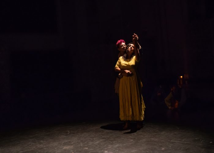 """Review: """"Les Innocents/The Innocents"""" ((re)discover theatre)"""